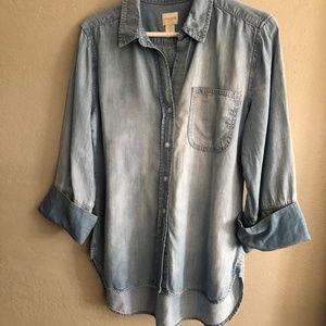 Women's Chico's size 0 denim shirt